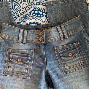 🌴EUC Crest jeans.  Medium blue. Low rise. 5/6